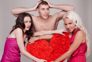 Что говорят мужчины о женщинах: можно ли любить двух женщин?